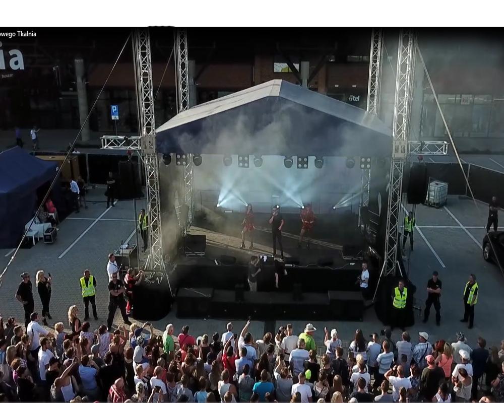 Film z drona na koncercie